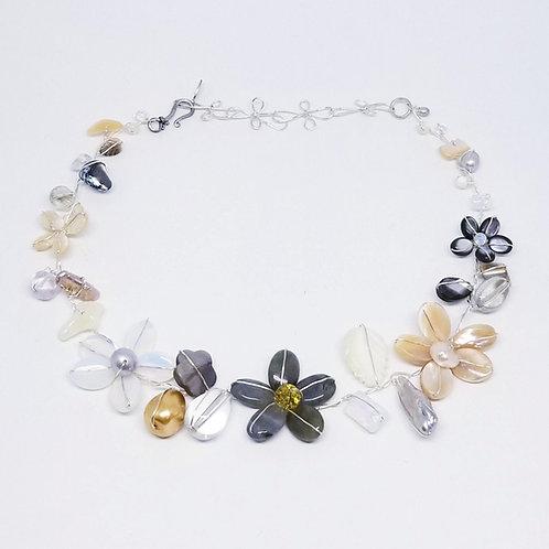 beiges gem flower collar sw