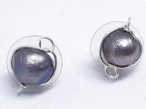 grey freshwater pearl stud earring sw