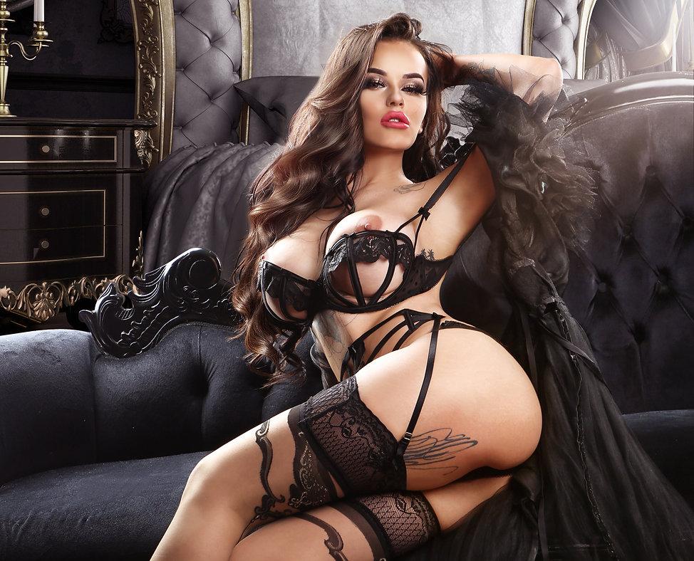 Stacey Carlaa boudoir dark1 CROPPED.jpg