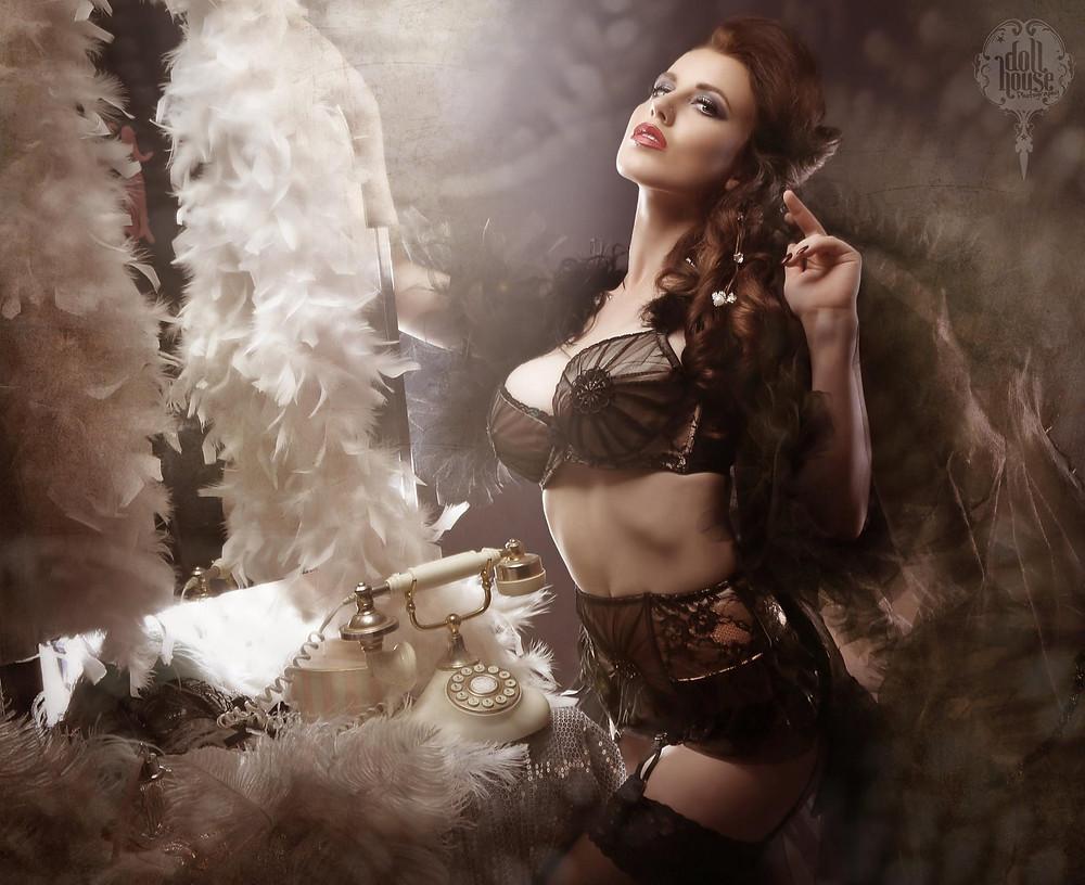 professional burlesque photographer DollHouse Photography