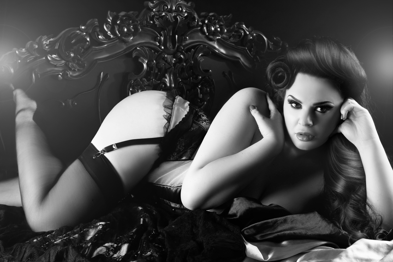 Dollhouse boudoir2 bw.jpg