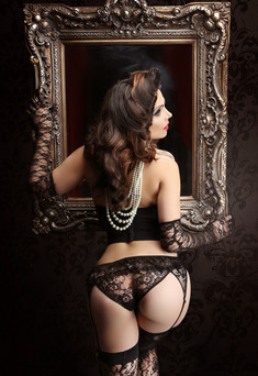 Adrien Mirror boudoir 2.jpg