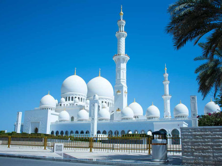 Explore the Beauty of Sheikh Zayed Mosque in Abu Dhabi