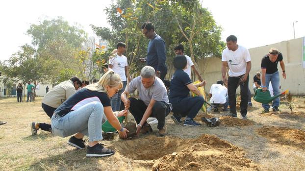 Earth Day Network x One Tree Planted x BMW, Rajkiya Kanya Prathmik Vidyalaya | Gurgaon (2019)