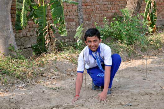 """""""Happy Earth"""", Hero MotoCorp x Najafgarh schools, Delhi (2015)"""