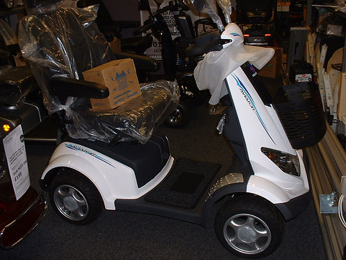 Heartway Aviator 8 Mph Mobility Scooter, Totally as new and unmarked, Alarmed