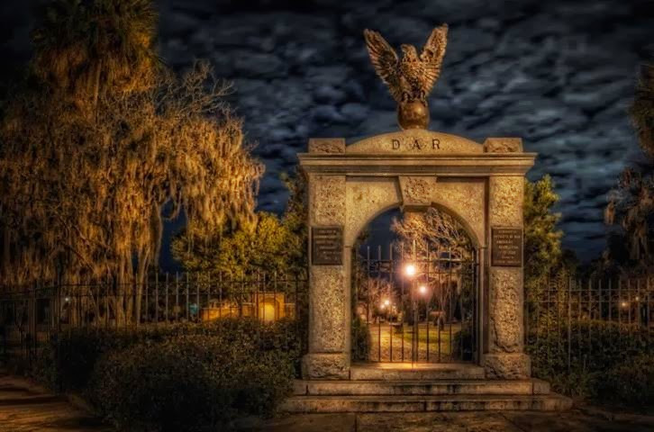 Colonial Park Savannah GA.jpg
