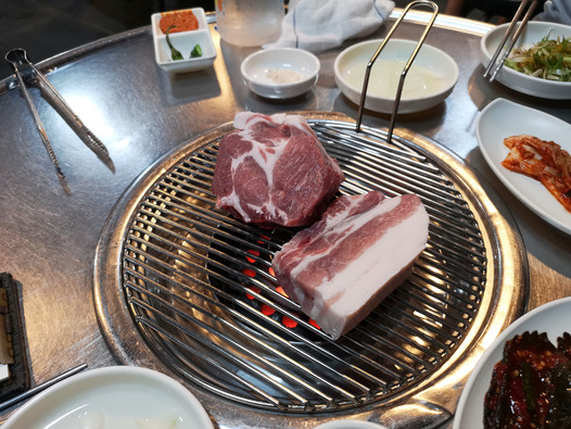 Which black pork restaurant to visit? - Jeju