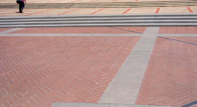 Location of monument on Sproul Plaza showing granite frame with carved text.