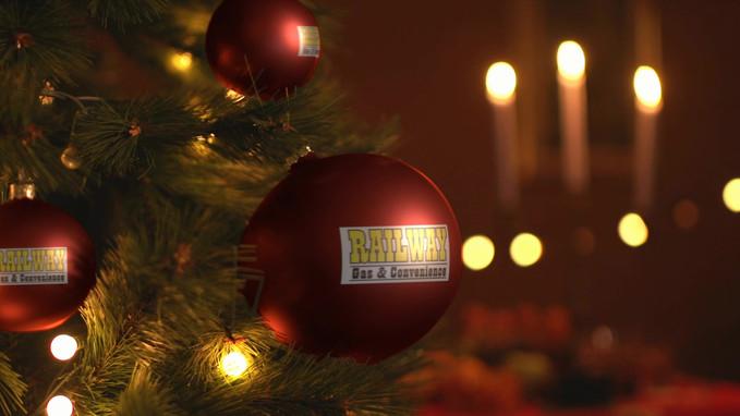 VIDDYOZE-Christmas Tree Decorations.mp4