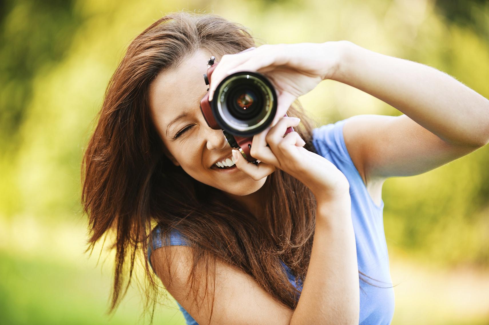 WomanTakingphoto
