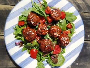 Meatballs with sweet tomato & garlic glaze
