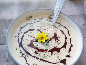 Keto creamy cauliflower soup