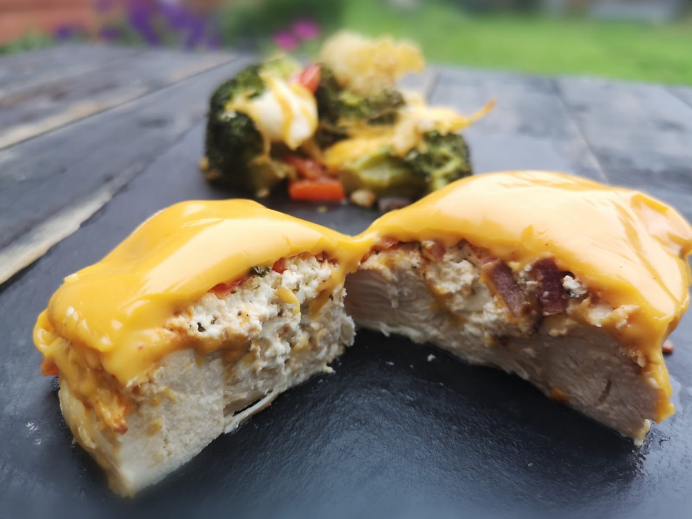 Keto Cheesy stuffed chicken breasts with cheese