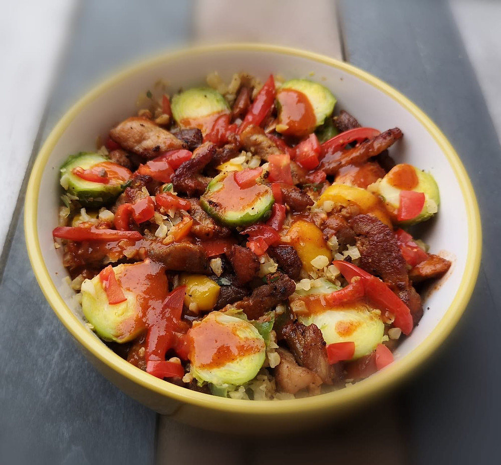 Keto pork bowl with vegetables