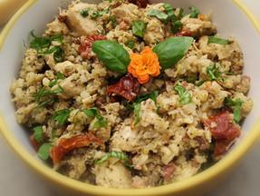 Chicken & cauliflower rice pesto