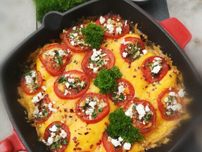 Chicken, tomatoes and cheese skillet