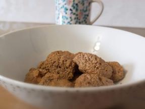 Low calorie keto almond cookies