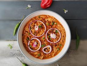 Spicy shredded chicken stew