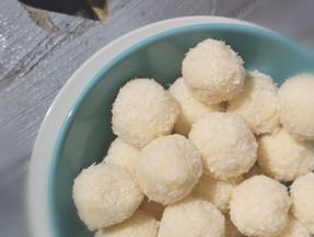 Keto coconut balls