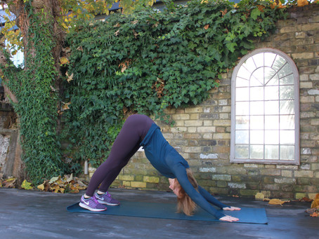 MAMAWELL warm up flow: whole body stability and mobility, core activation and stretching.