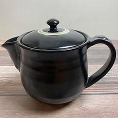 black oribe teapot_80.JPG