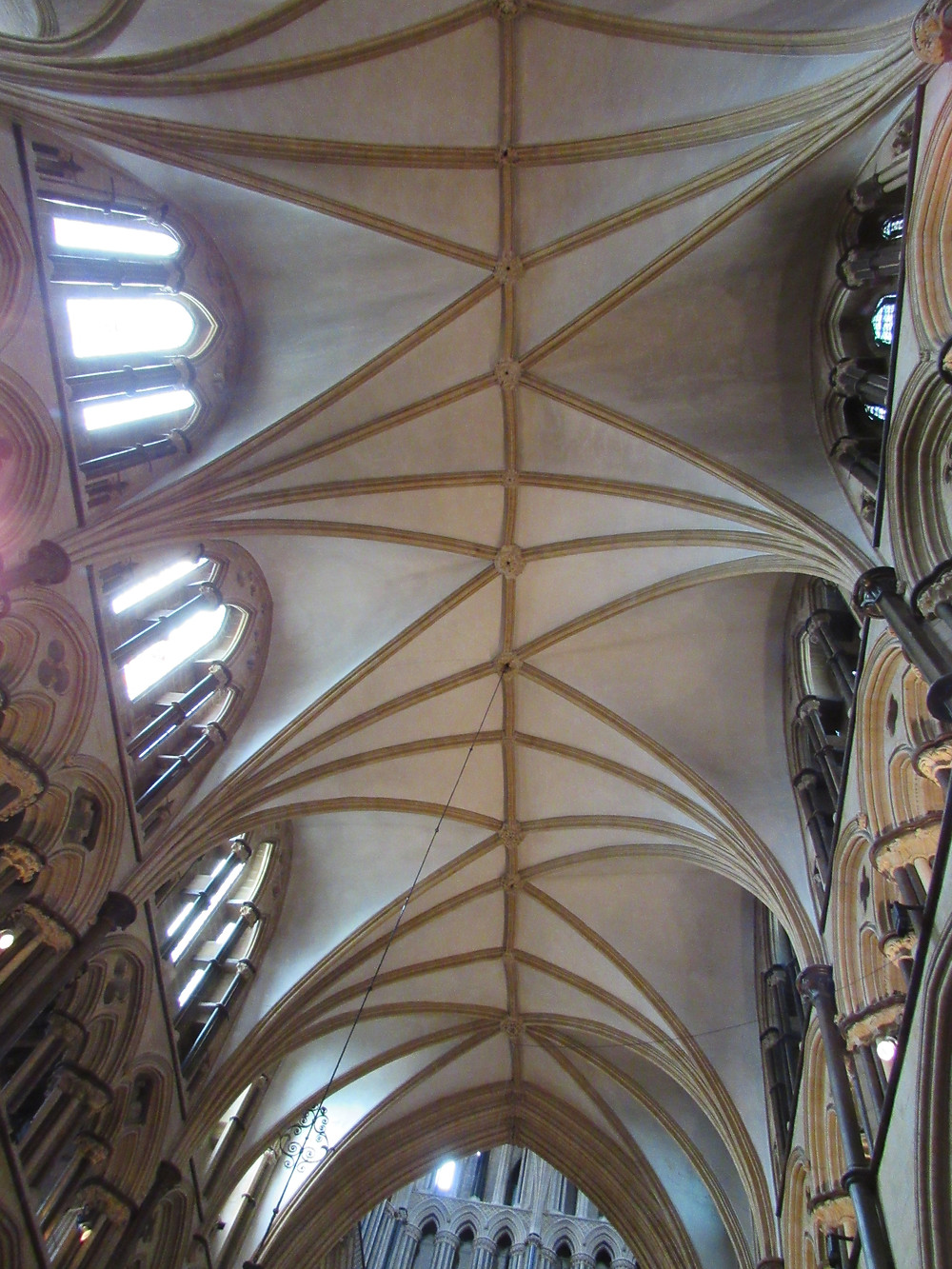 photo of asymmetrical vaulting on the ceiling of Lincoln Cathedral