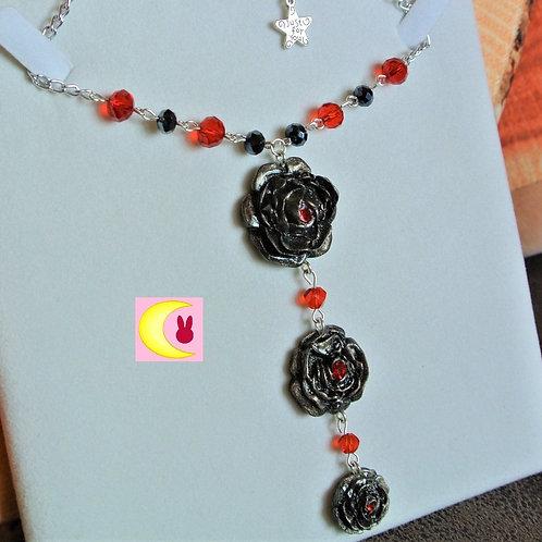 Collier Black roses en porcelaine froide