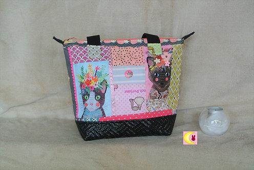 sac à main patchwork multicolore avec chats fleuris