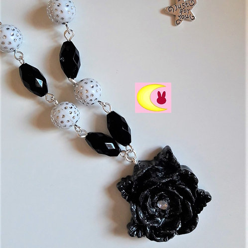 Collier Black and White Rose en porcelaine froide Style gothique chic