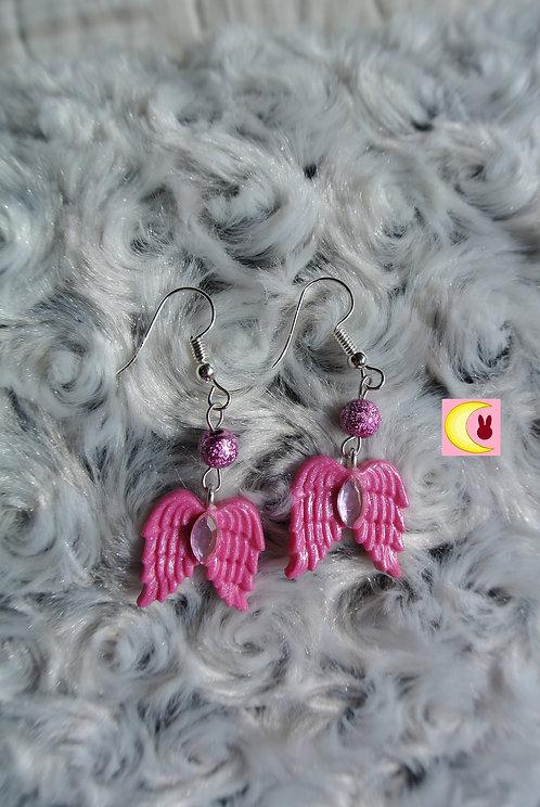 Boucles d'oreilles Pink Wings Ailes d'ange rose pailleté en porcelaine froide