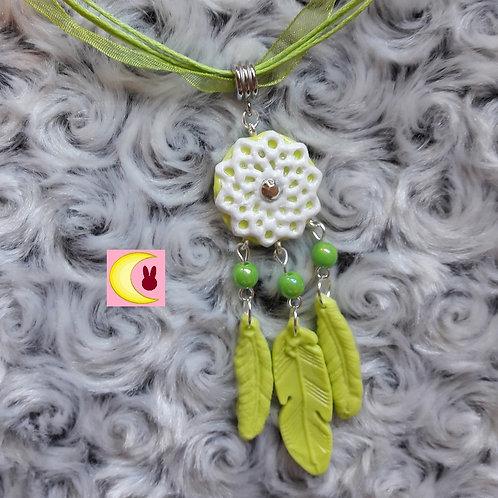 Collier Attrape-rêves Green Spirit en porcelaine froide