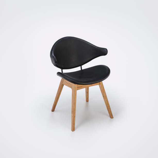 Stuhl Acura mit Holzfüßen und Lederbezug