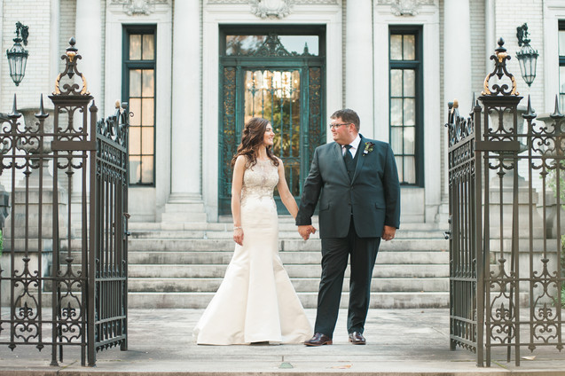 wedding at the historic whitman mansion forsyth park savannah by savannah wedding photographer 22