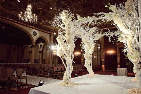 winter wedding at the millenium biltmore hotel los angeles by los angeles wedding photographer 20