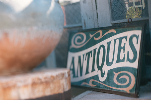 wedding at big daddy's antiques store los angeles by los angeles wedding photographer