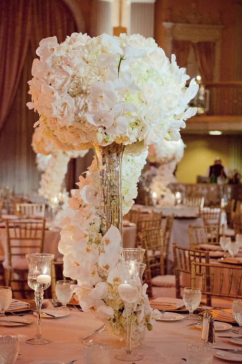 winter wedding at the millenium biltmore hotel los angeles by los angeles wedding photographer 43