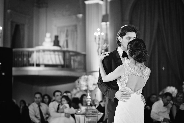 winter wedding at the millenium biltmore hotel los angeles by los angeles wedding photographer 36