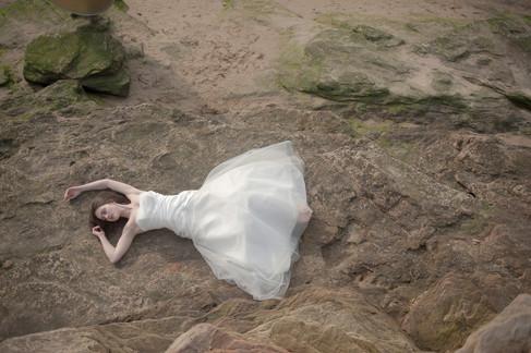 bride on rocks cheshire beach