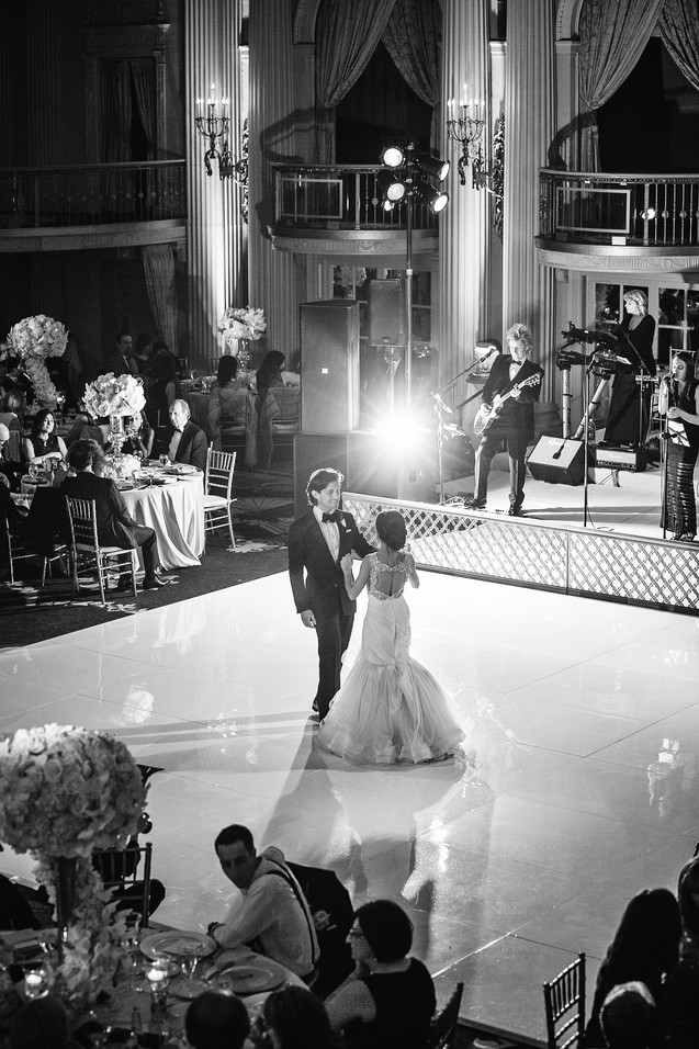 winter wedding at the millenium biltmore hotel los angeles by los angeles wedding photographer 39