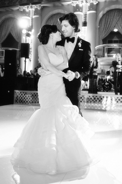 winter wedding at the millenium biltmore hotel los angeles by los angeles wedding photographer34
