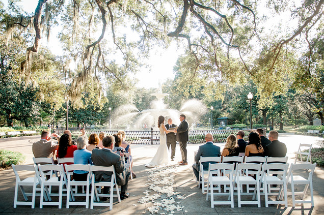 wedding at the historic whitman mansion forsyth park savannah by savannah wedding photographer 23