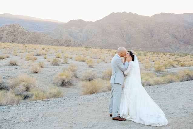 WEDDING AT FOOTHILLS OF SANTA ROSA MOUNTAINS LA QUINTA CA BY LOS ANGELES WEDDING PHOTOGRAPHER CLAIRE BARRETT 31