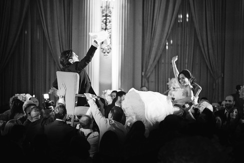 winter wedding at the millenium biltmore hotel los angeles by los angeles wedding photographer 40