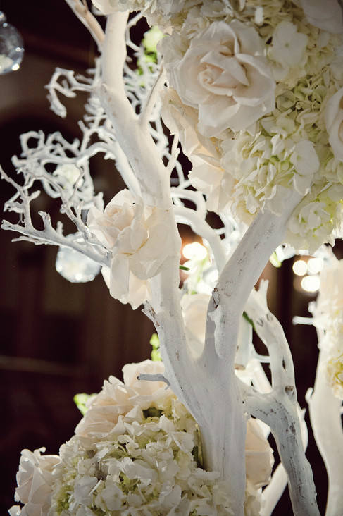 winter wedding at the millenium biltmore hotel los angeles by los angeles wedding photographer 37