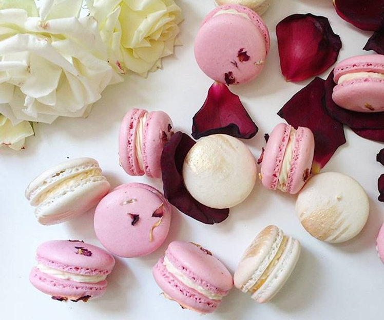 Themed wedding macarons_#macarons#macaro