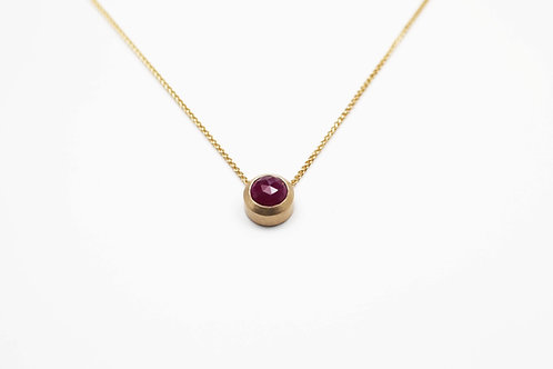 Rose cut Ruby pendant in 9ct yellow gold