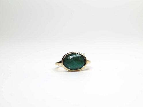A rose cut emerald ring in 9ctgold