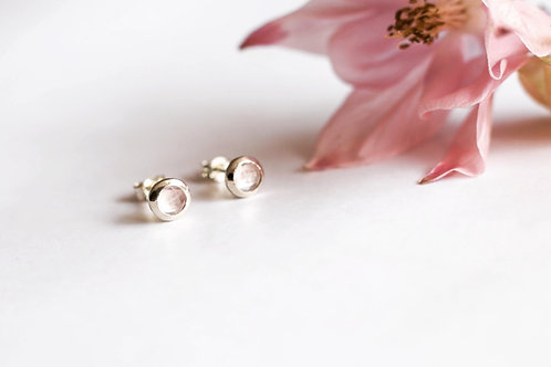Rose quartz and white gold earrings