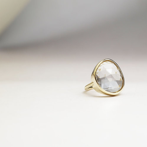 Large Rock Crystal and 9ct gold ring